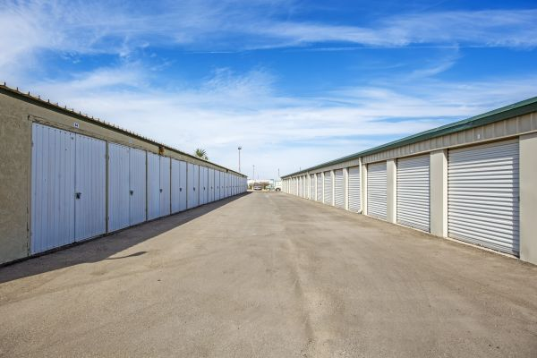 StaxUp Storage - El Centro 902 East Evan Hewes Highway El Centro, CA - Photo 4