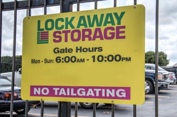 Lockaway Storage - Babcock 5842 Babcock Rd San Antonio, TX - Photo 12