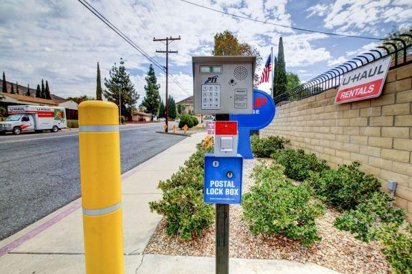 StaxUp Storage - El Cajon 1063 East Bradley Avenue El Cajon, CA - Photo 3
