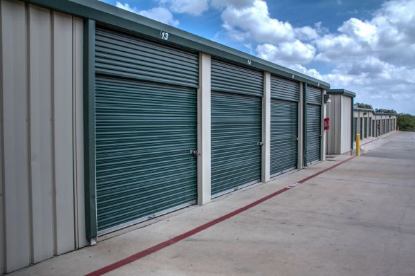 Lockaway Storage - NW Loop 410 3280 NW Loop 410 San Antonio, TX - Photo 4