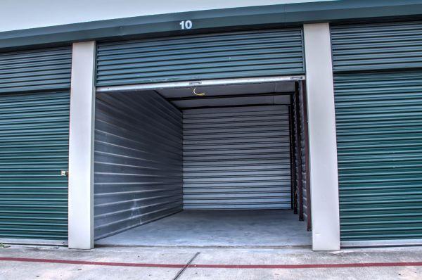 Lockaway Storage - NW Loop 410 3280 NW Loop 410 San Antonio, TX - Photo 5