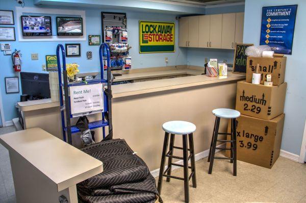 Lockaway Storage - NW Loop 410 3280 NW Loop 410 San Antonio, TX - Photo 8