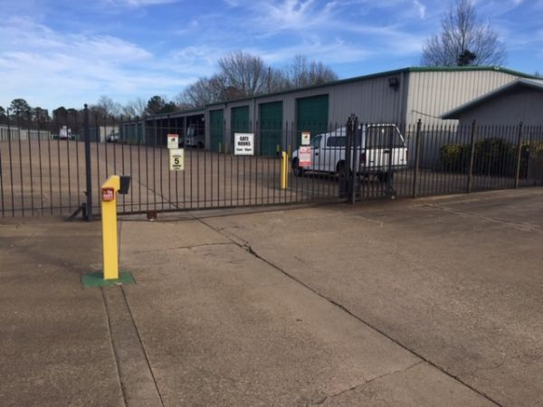 Lockaway Storage - Texarkana 1407 South Kings Highway Texarkana, TX - Photo 1