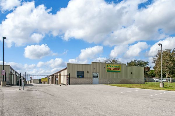 Lockaway Storage - Evans 7858 East Evans Road San Antonio, TX - Photo 2