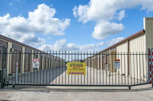 Lockaway Storage - Evans 7858 East Evans Road San Antonio, TX - Photo 4
