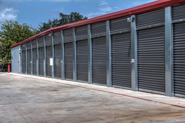 Lockaway Storage - DeZavala 6075 De Zavala Road San Antonio, TX - Photo 3