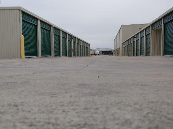 Lockaway Storage - Bandera 7212 Bandera Road Leon Valley, TX - Photo 4
