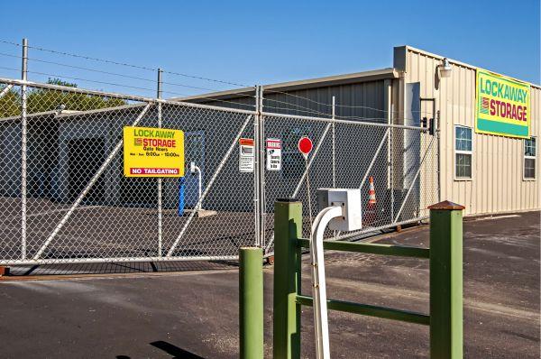 Lockaway Storage - Crestway 7095 Crestway Road San Antonio, TX - Photo 2