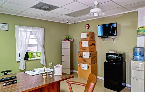 Lockaway Storage - Crestway 7095 Crestway Road San Antonio, TX - Photo 4