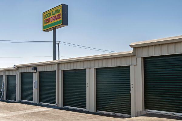 Lockaway Storage - Crestway 7095 Crestway Road San Antonio, TX - Photo 13