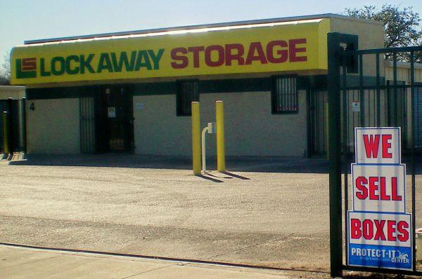Lockaway Storage - WW White 2235 South Ww White Road San Antonio, TX - Photo 5