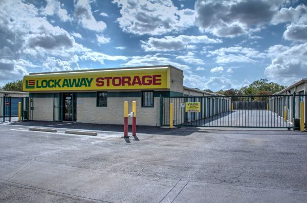 Lockaway Storage - WW White 2235 South Ww White Road San Antonio, TX - Photo 6