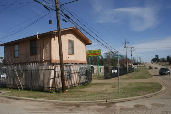 Lockaway Storage - Wake Village 5308 West 7Th Street Texarkana, TX - Photo 3