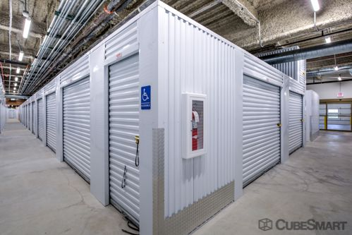 CubeSmart Self Storage - Chicago - 6000 W Touhy Ave 6000 W Touhy Ave Chicago, IL - Photo 2