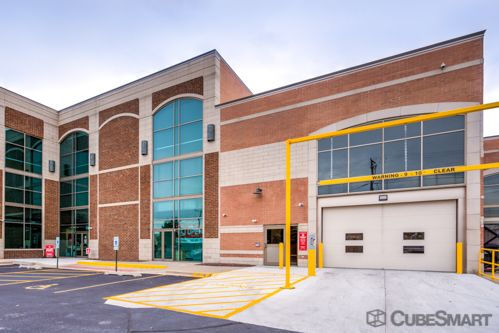 CubeSmart Self Storage - Chicago - 6000 W Touhy Ave 6000 W Touhy Ave Chicago, IL - Photo 3