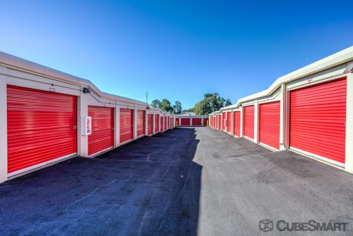 CubeSmart Self Storage - Greenville - 1900 Old Buncombe Rd 1900 Old Buncombe Rd Greenville, SC - Photo 2