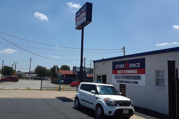 Store Space Self Storage - #1005 3316 Hansboro Avenue Dallas, TX - Photo 2
