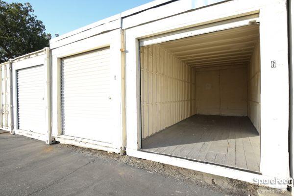 Pasadena Mini Storage 686 South Arroyo Parkway Pasadena, CA - Photo 9