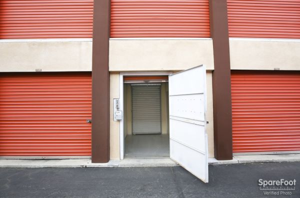 South Bay Mini Storage 3401 West Rosecrans Avenue Hawthorne, CA - Photo 8