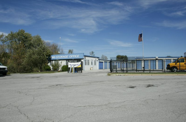 Storage Rentals of America - Sandusky 5018 Milan Road Sandusky, OH - Photo 1