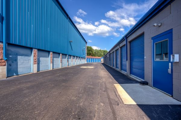 Simply Self Storage - 2325 S Dort Highway - Flint 2325 South Dort Highway Flint, MI - Photo 2