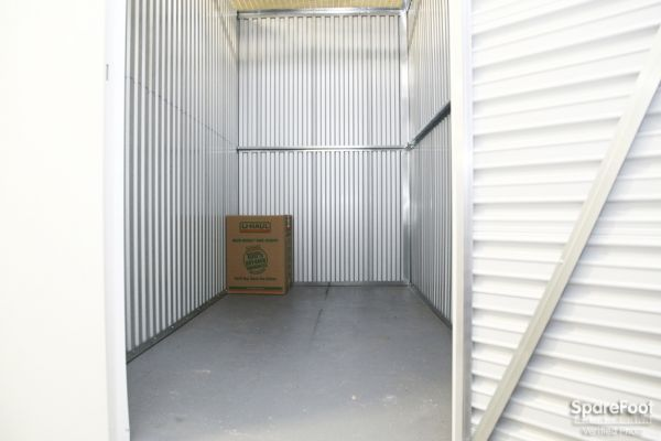 StorageBlue - Garfield 170 River Drive Garfield, NJ - Photo 4