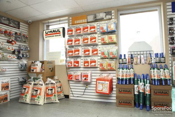 Storage Fox Self Storage of White Plains - Uhaul Truck Rentals 1 Holland Avenue White Plains, NY - Photo 4