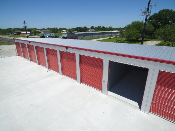 Bus Barn Storage 17820a County Road 127 Pearland, TX - Photo 5