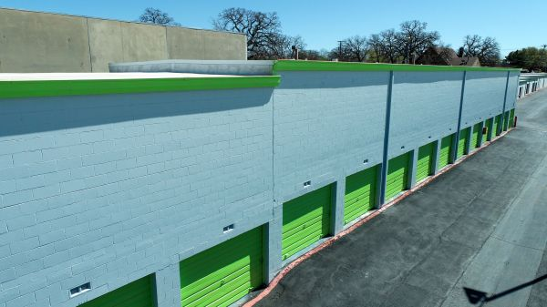 Store Here Self Storage - Pantego 2020 West Pioneer Parkway Pantego, TX - Photo 8