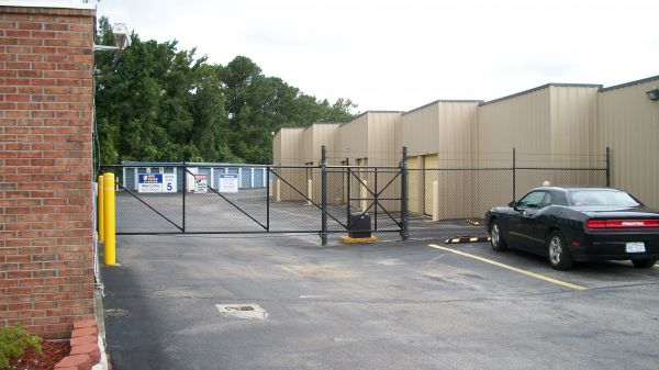 Center Storage, LLC 135 Center Street Jacksonville, NC - Photo 1
