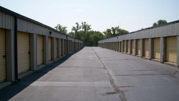 Riverside Storage, LLC 2405 Riverside Drive Danville, VA - Photo 2