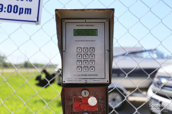 Iron Guard Storage - Webster 410 Old Galveston Road Webster, TX - Photo 2