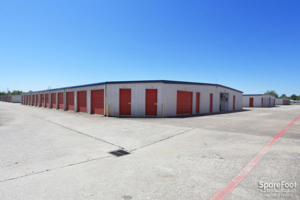 Iron Guard Storage - Webster 410 Old Galveston Road Webster, TX - Photo 3
