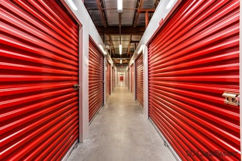CubeSmart Self Storage - Jacksonville - 8552 Baymeadows Rd 8552 Baymeadows Rd Jacksonville, FL - Photo 5