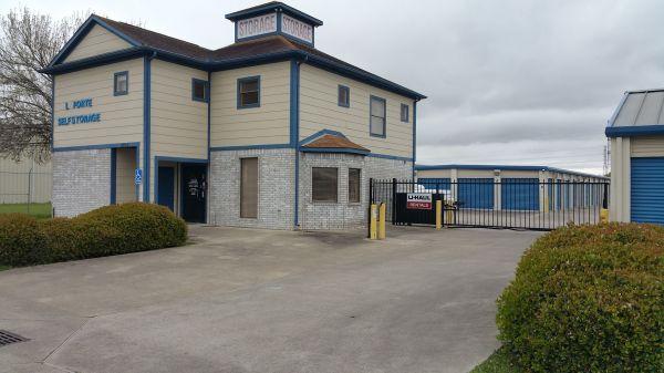 La Porte Storage, LLC 2915 North 23rd Street La Porte, TX - Photo 0
