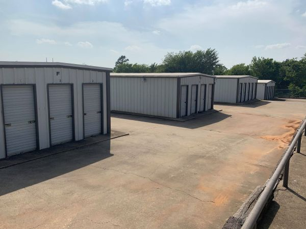 The Storage Place - Kennedale 813 E Kennedale Pkwy Kennedale, TX - Photo 2