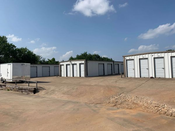 The Storage Place - Kennedale 813 E Kennedale Pkwy Kennedale, TX - Photo 4