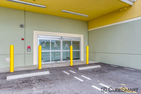 CubeSmart Self Storage - Lantana 420 North 4th Street Lantana, FL - Photo 5