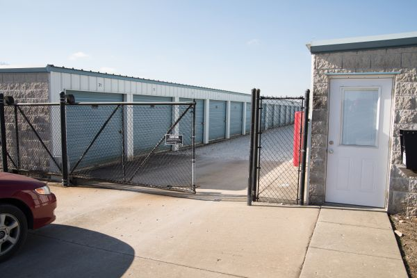 C&H Storage - (E) 21st Street 3445 North 21st Street Ozark, MO - Photo 4
