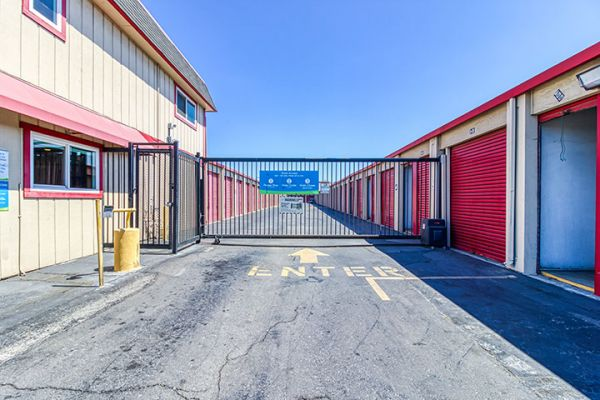 SmartStop Self Storage - Oakland 5200 Coliseum Way Oakland, CA - Photo 4