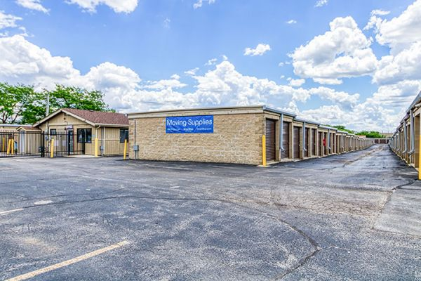 SmartStop Self Storage - Bloomingdale 240 West Army Trail Road Bloomingdale, IL - Photo 6