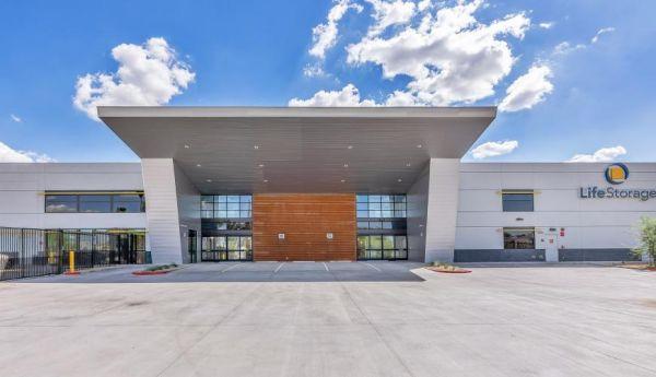 Life Storage - Phoenix - 10155 North 32nd Street 10155 North 32nd Street Phoenix, AZ - Photo 3