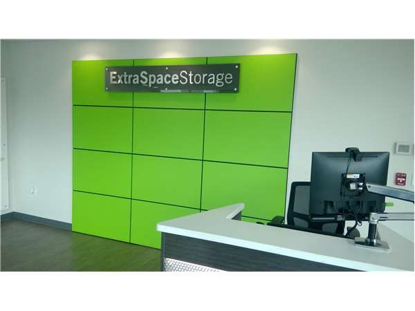 Extra Space Storage - Portland - Division Place 685 Southeast Division Place Portland, OR - Photo 2
