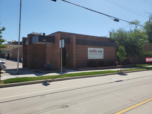 Storage House 2220 Northwestern Avenue Racine, WI - Photo 2