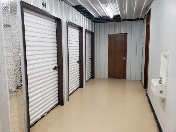 Storage House 2220 Northwestern Avenue Racine, WI - Photo 4