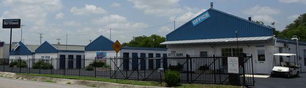 Space Savers II 295 Kitty Hawk Road Universal City, TX - Photo 0