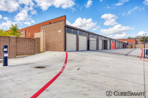 CubeSmart Self Storage - North Richland Hills - 5808 Davis Blvd 5808 Davis Boulevard North Richland Hills, TX - Photo 4
