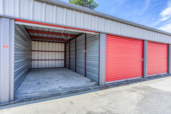 Storage Depot of Savannah 1333 Lynah Avenue Garden City, GA - Photo 2