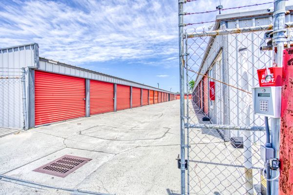 Storage Depot of Savannah 1333 Lynah Avenue Garden City, GA - Photo 7