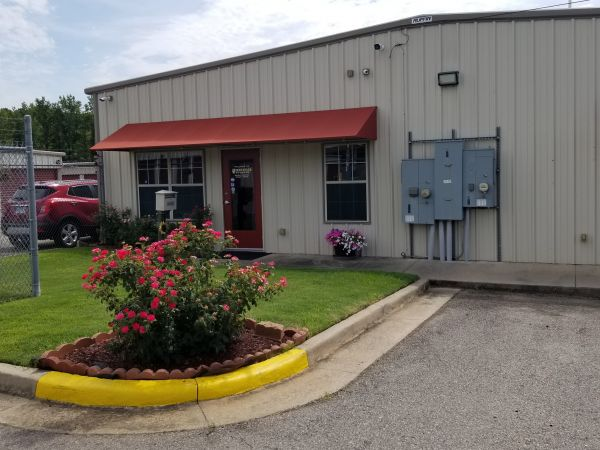 Ridgway Storage, LLC 2101 Ridgway Road Pine Bluff, AR - Photo 6